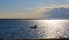 Αθλητισμός νερού, ναυσιπλοΐα, που χαλαρώνει στο πάρκο λιμνών της Νέας Υόρκης Buffalo Στοκ Εικόνες