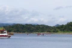 Αθλητισμός νερού Arenal στη λίμνη Στοκ Φωτογραφία