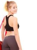 αθλητισμός Πίσω του φίλαθλου κοριτσιού ικανότητας sportswear με την τσάντα γυμναστικής Στοκ Εικόνα