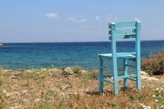 Αιγαία περιοχή - νησί Tenedos, μια καρέκλα στην ειρήνη στοκ εικόνα με δικαίωμα ελεύθερης χρήσης