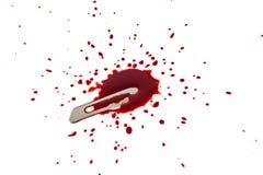 Αιματηρή λεπίδα με το αίμα splatter Στοκ φωτογραφία με δικαίωμα ελεύθερης χρήσης