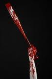 Αιματηρό χέρι που κρατά ένα ρόπαλο του μπέιζμπολ, ένα αιματηρό ρόπαλο του μπέιζμπολ, ρόπαλο, αθλητισμός αίματος, δολοφόνος, zombi Στοκ φωτογραφία με δικαίωμα ελεύθερης χρήσης