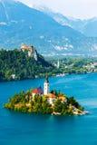 Αιμορραγημένος με τη λίμνη το καλοκαίρι, Σλοβενία στοκ εικόνες