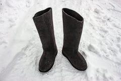 Αισθητές μπότες στο χιόνι Ρωσικά υποδήματα - valenki Στοκ Φωτογραφίες