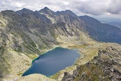 Αιχμές του υψηλού pleso Hincovo Tatras και λιμνών, Σλοβακία Στοκ εικόνα με δικαίωμα ελεύθερης χρήσης
