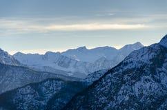 Αιχμές υψηλών βουνών Στοκ φωτογραφίες με δικαίωμα ελεύθερης χρήσης