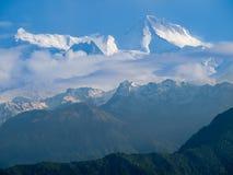 Αιχμές Annapurna ΙΙ και Annapurna IV, Ιμαλάια, Νεπάλ βουνών Στοκ φωτογραφία με δικαίωμα ελεύθερης χρήσης