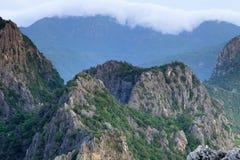 Αιχμή βουνών το πρωί, Khao Dang, Ταϊλάνδη Στοκ Εικόνες