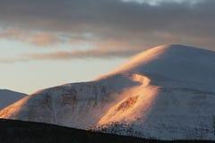 αιχμή βουνών Στοκ φωτογραφίες με δικαίωμα ελεύθερης χρήσης