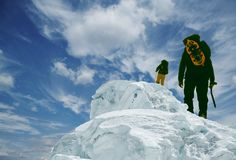 αιχμή δύο ορειβατών στοκ φωτογραφίες με δικαίωμα ελεύθερης χρήσης