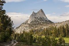 Αιχμή καθεδρικών ναών, εθνικό πάρκο Yosemite, Καλιφόρνια Στοκ Εικόνα