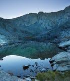 Αιχμή BLANCA που απεικονίζεται στη λίμνη βουνών Στοκ Φωτογραφία