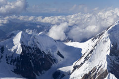Αιχμή Elevens και πέρασμα, βουνά της Τιέν Σαν στοκ εικόνες