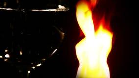 Αιώνια σκηνή υποβάθρου πάλης νερού και πυρκαγιάς απόθεμα βίντεο