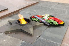 Αιώνια φλόγα μνημείων Στο τετράγωνο των πεσμένων μαχητών Στοκ Φωτογραφία