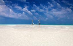 Αιώρα σε μια αμμουδιά στοκ φωτογραφία με δικαίωμα ελεύθερης χρήσης