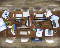 Ακατάστατο σύγχρονο εσωτερικό γραφείο καμία έννοια ανθρώπων Στοκ φωτογραφία με δικαίωμα ελεύθερης χρήσης