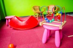 Ακατάστατο δωμάτιο παιχνιδιού παιδιών Στοκ φωτογραφία με δικαίωμα ελεύθερης χρήσης
