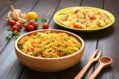 Ακατέργαστα ζυμαρικά Fusilli ή Rotini Στοκ Εικόνες