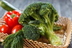 ακατέργαστα λαχανικά πο&iota χορτοφάγος σιτηρεσίου Στοκ Φωτογραφίες