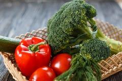 ακατέργαστα λαχανικά πο&iota χορτοφάγος σιτηρεσίου Στοκ φωτογραφία με δικαίωμα ελεύθερης χρήσης