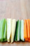 Ακατέργαστα φυτικά ραβδιά, σέλινο καλαμποκιού αγγουριών καρότων Στοκ Εικόνα