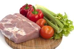 Ακατέργαστα χοιρινό κρέας και λαχανικά Στοκ εικόνα με δικαίωμα ελεύθερης χρήσης