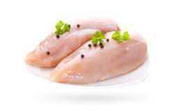 Ακατέργαστες λωρίδες κοτόπουλου που απομονώνονται στο άσπρο υπόβαθρο Στοκ Φωτογραφίες