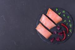 1 ακατέργαστη μπριζόλα σολομών Στοκ εικόνες με δικαίωμα ελεύθερης χρήσης