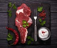 Ακατέργαστη μπριζόλα κρέατος entrecote Στοκ Φωτογραφίες