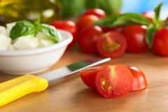 ακατέργαστη ντομάτα κερα&s Στοκ Εικόνα