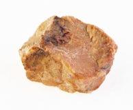 ακατέργαστη πέτρα orthoclase στο λευκό στοκ εικόνα με δικαίωμα ελεύθερης χρήσης