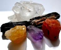 Ακατέργαστοι τραχιοί φυσικοί πολύτιμοι λίθοι κρυστάλλων Stonea Στοκ Φωτογραφίες