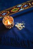 Ακατέργαστο και καίγοντας frankincense Στοκ εικόνα με δικαίωμα ελεύθερης χρήσης