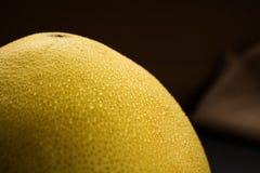 Ακατέργαστο και juicy pomelo γκρέιπφρουτ Στοκ Εικόνα