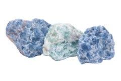 Ακατέργαστο μπλε Calcite και πράσινες συστάδες Apophyllite στη μήτρα Στοκ φωτογραφία με δικαίωμα ελεύθερης χρήσης
