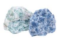 Ακατέργαστο μπλε Calcite και πράσινες συστάδες Apophyllite στη μήτρα Στοκ εικόνα με δικαίωμα ελεύθερης χρήσης
