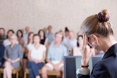 Ακαδημαϊκός δάσκαλος που κάνει την ομιλία Στοκ Εικόνες