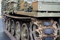 Ακολουθημένη στρατιωτική κινηματογράφηση σε πρώτο πλάνο εξοπλισμού Στοκ Φωτογραφίες