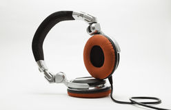 Ακουστικά του DJ που απομονώνονται στο λευκό Στοκ Εικόνα