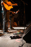 Ακουστική συναυλία ζωνών στη σκηνή Στοκ φωτογραφία με δικαίωμα ελεύθερης χρήσης