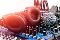 Ακουστικός ήχος αναμικτών στοκ εικόνα με δικαίωμα ελεύθερης χρήσης