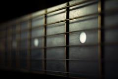 Ακουστικό υπόβαθρο σειρών κιθάρων στοκ φωτογραφία με δικαίωμα ελεύθερης χρήσης