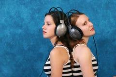 ακούστε μουσική  Στοκ Φωτογραφία