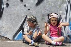 ακούστε μουσική  Στοκ Εικόνες