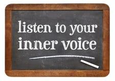 Ακούστε την εσωτερική φωνή σας στοκ φωτογραφία