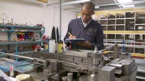 Ακολουθία χρονικού σφάλματος λειτουργούντος εξοπλισμού μηχανικών εργοστασίων απόθεμα βίντεο