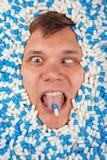 Ακραία κοιμισμένα φάρμακα πτώσης πορτρέτου ατόμων κινηματογραφήσεων σε πρώτο πλάνο Στοκ εικόνες με δικαίωμα ελεύθερης χρήσης
