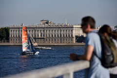 Ακραία σειρά ναυσιπλοΐας στη Αγία Πετρούπολη, Ρωσία Στοκ εικόνα με δικαίωμα ελεύθερης χρήσης