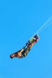 Ακραίος αθλητισμός ύδατος Kiteboarding, δράση αέρα Kitesurfing Recre Στοκ φωτογραφία με δικαίωμα ελεύθερης χρήσης